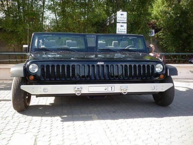 Veículo foi formado pela junção de dois Jeep Wrangler (Foto: Reprodução)