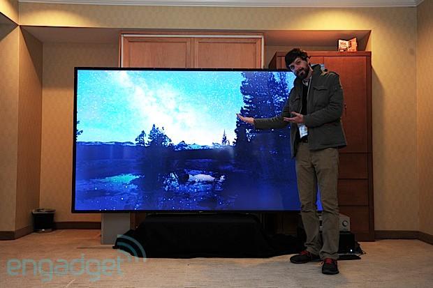 TV 4K da Westinghouse, com 110 polegadas; um monstro de TV (Foto: Reprodução / Engadget)