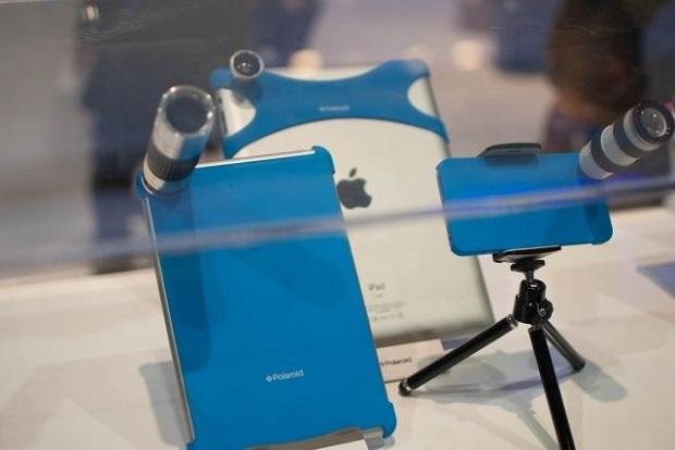 Lentes e cases da Polaroid foram lançados na CES (Foto: Reprodução Cult Of Mac)