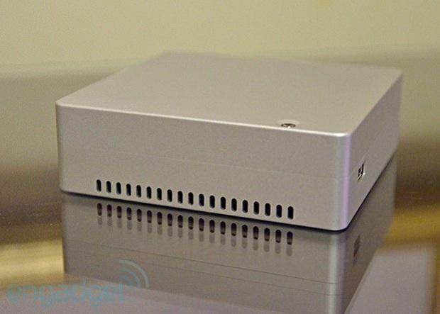Mini desktop da GIgabyte deve chegar ao mercado em abril (Foto: Reprdução Engadget)