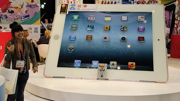tablet gigante ozaki ces 2013_3 (Foto: TechTudo / Fabrício Vitorino)