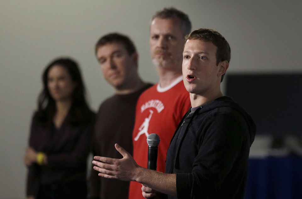 Mark Zuckerberg com Lars Rasmussen e Tom Stocky no lançamento do Graph Search