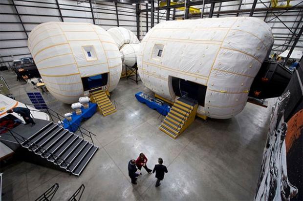 Mais leves e baratos, módulos infláveis seriam uma opção interessante para a exploração espacial em órbita terrestre (Foto: Reprodução)