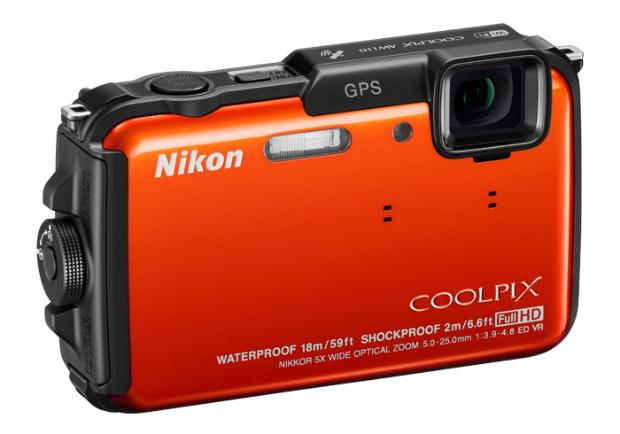 Nikon AW110 tem Wi-Fi, GPS e é à prova d'água (Divulgação)