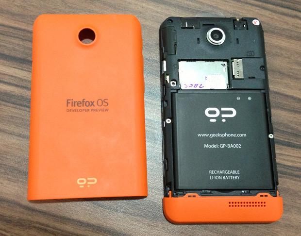 Protótipo do smartphone com Firefox OS (Foto: Nick Ellis/TechTudo)