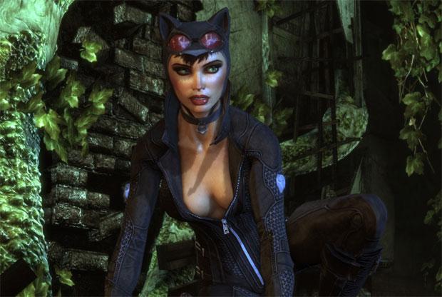 Mukher-Gato exibe o decote em Arkham City (Foto: Divulgação)