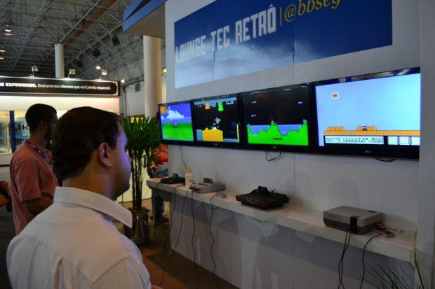 Os consoles dos anos 70, 80 e 90 na Campus Party (TechTudo|Pedro Zambarda)
