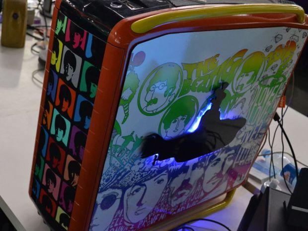 A carcaça do casemod de Beatles saiu por R$ 270. Mas o interior do computador custa R$ 3 mil (TechTudo Pedro Zambarda)