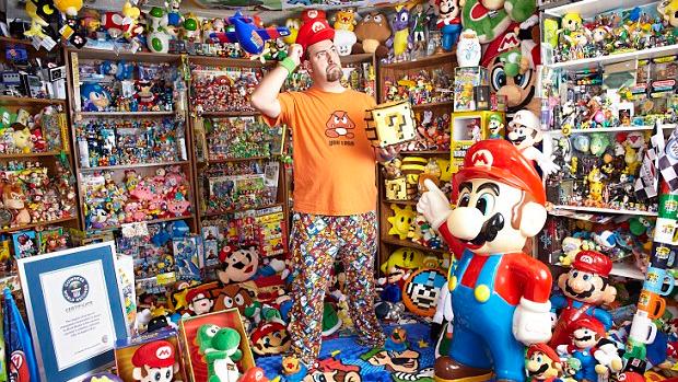 Brett Martin coleciona itens de videogames desde os 12 anos (Foto: Mail Online)