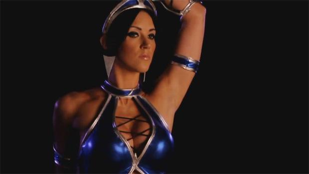A bela Kitana de Mortal Kombat (Foto: Divulgação)