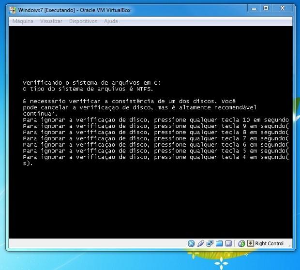 Windows verificando a partição antes de inicializar (Foto: Reprodução/Edivaldo Brito)