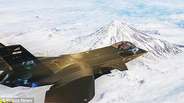 Foto divulgada pelo governo iraniano com o Qaher-313 o Monte Damavand (Foto: Reprodução/ PetaPixel)