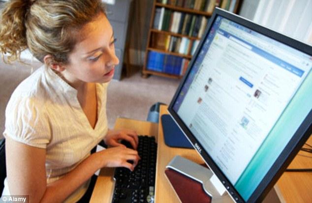Vício na web pode ser muito prejudicial (Foto: Reprodução/Daily Mail)