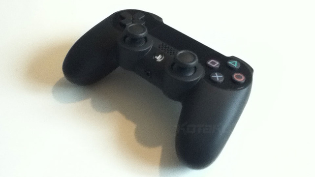 Mais uma imagem do controle do PlayStation 4 (Foto: Reprodução / Kotaku)