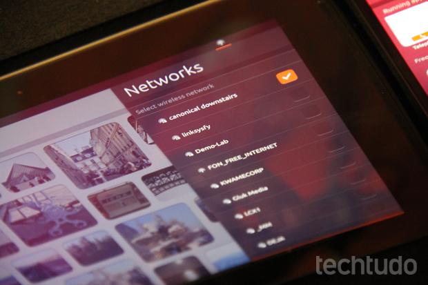 Ao contrário da versão para PCs, o Ubuntu de tablets tem especificações altas (Foto: Allan Melo/TechTudo)