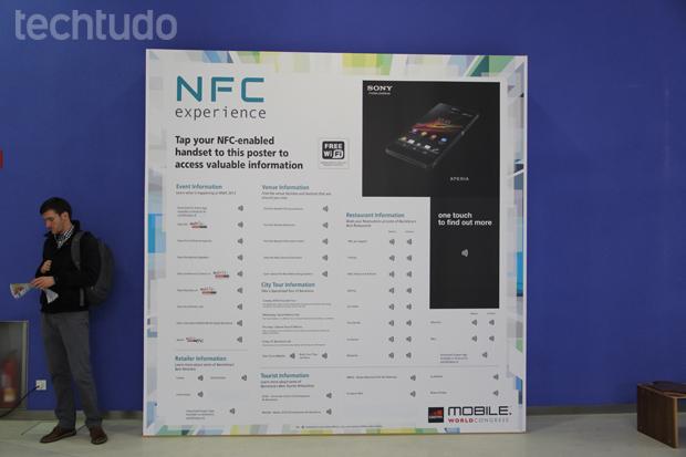 A Sony também montou um painel com conectividade NFC (Foto: Fabrício Vitorino/TechTudo)