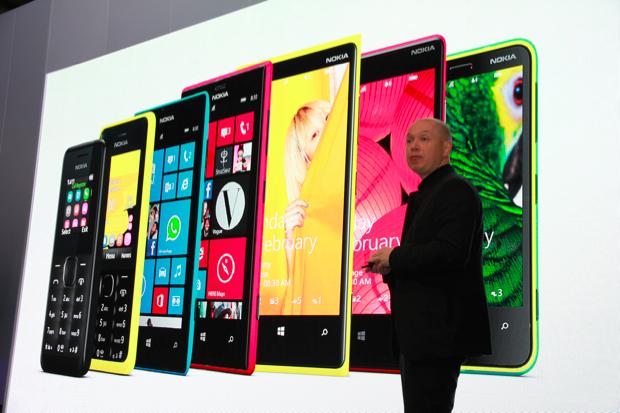 Novos aparelhos apresentados no MWC 2013 pela Nokia (Foto: Allan Melo/TechTudo)