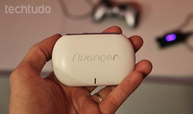 """Aparelho da Qualcomm, é um """"tudo-em-um"""" portátil (Foto: Fabrício Vitorino/TechTudo)"""