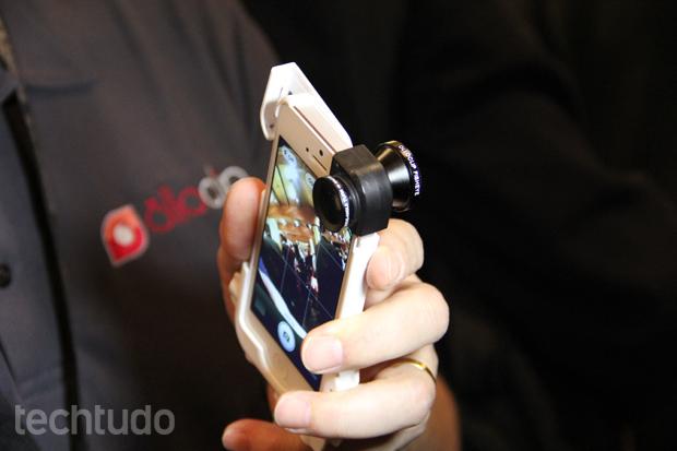 Olloclip adiciona três lentes aos dispositivos da Apple (Foto: Fabrício Vitorino/TechTudo)