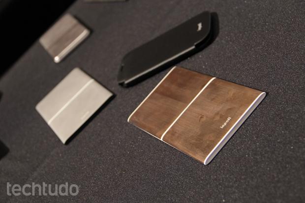 Dispositivos desligam ao terminar de fazer a carga dos smartphones (Foto: Fabrício Vitorino/TechTudo)