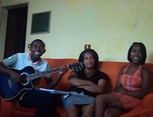 """Jefferson, Mara e Suellen fizeram sucesso com hit """"Pra Nossa Alegria"""" (Foto: Reprodução)"""