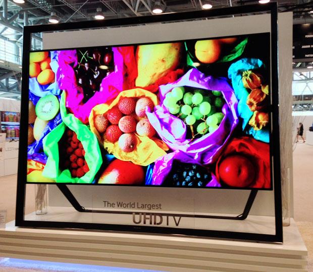 S9, a primeira TV de ultra-alta definição da Samsung (Foto: Nick Ellis/TechTudo)