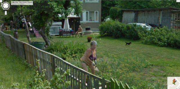 Senhora flagrada no Street View (Reprodução|BuzzFeed)