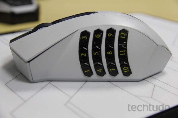 14 teclas adicionais são o grande diferencial do mouse (Foto: Reprodução / TechTudo)