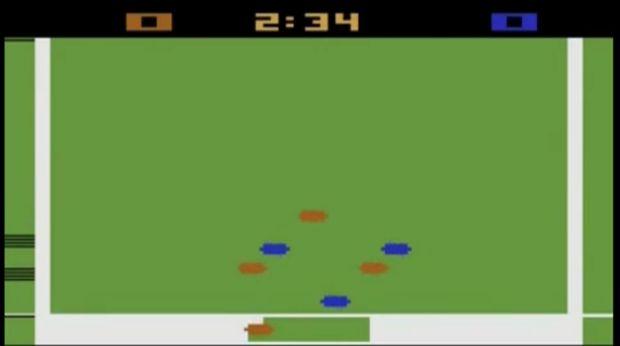 Jogo do Pelé tem gráficos simples (Foto: Reprodução/YouTube)