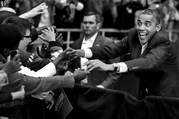 Foto original de Barack Obama falando com eleitores em novembro de 2012 (Foto: Reprodução)
