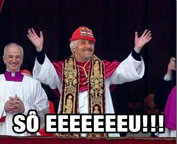 Tiririca posando como se fosse o novo Papa (Foto: Reprodução)
