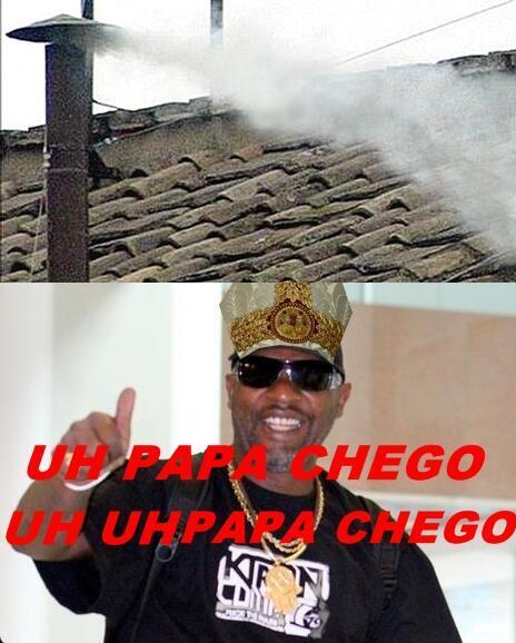 A imagem da fumaça branca na Capela Sistina com o cantor de funk Mr. Catra (Foto: Reprodução)