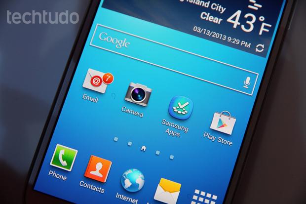Galaxy S4 tem tela FullHD com qualidade impressionante (Foto: Allan Melo/TechTudo)
