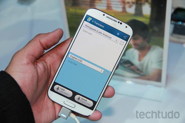 Galaxy S4 tem S Translator com suporte ao Português do Brasil (Foto: Allan Melo/TechTudo)