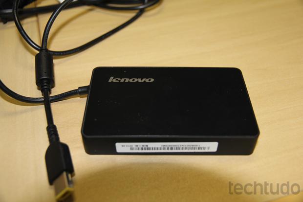 Fonte pequena e autonomia da bateria bem abaixo da média (Foto: TechTudo/Rodrigo Bastos)