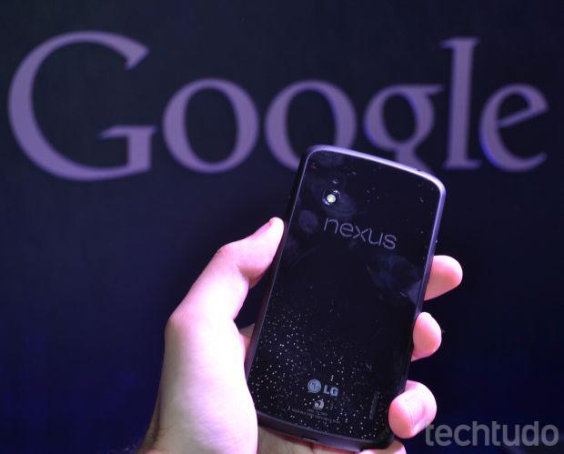 Nexus 4, fruto da parceria entre Google e LG, tem processador quad-core (Foto: Pedro Zambarda/TechTudo)