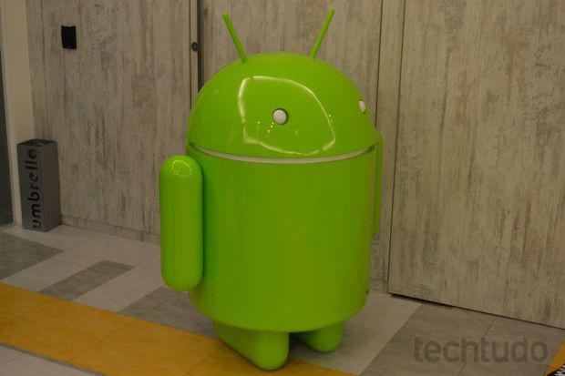 """Nexus 4 é o novo smartphone da linha com """"Android Puro"""", do Google (Foto: Pedro Zambarda/TechTudo)"""