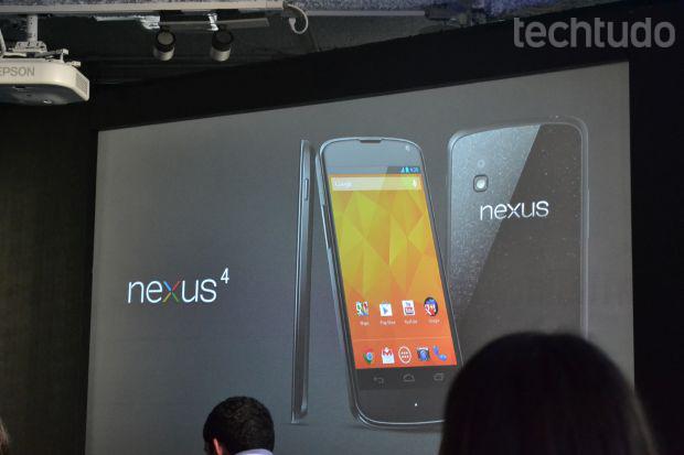 Nexus 4, smartphone do Google e LG, foi apresentado no Brasil nesta quarta-feira (Foto: Pedro Zambarda/TechTudo)