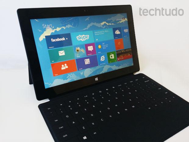 Surface RT, híbrido da Microsoft, com teclado acoplado (Foto: Rodrigo Bastos/TechTudo)