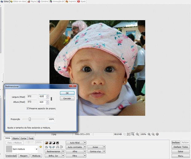 """Área de trabalho do Photoscape com janela """"Redimensionar"""" aberta (Foto: Reprodução/ Raquel Freire)"""