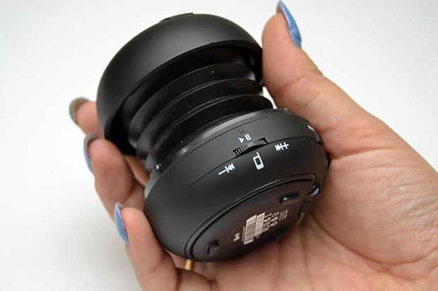 Um único botão controla tudo, até atender o celular (Foto: Stella Dauer)