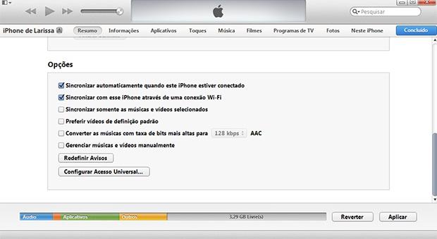 """iTunes traz opções de sincronização sem fio na aba """"Resumo"""" (Foto: Larissa Ferreira/TechTudo)"""