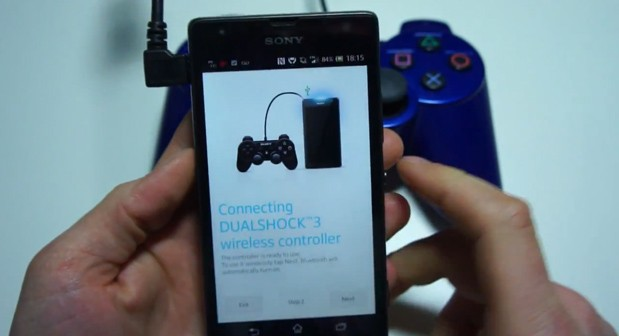 Os jogos do Sony Xperia SP pode ser controlados com o DualShock 3 (Foto: Divulgação)
