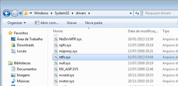 Pegando o arquivo ntfs.sys em outro computador  (Foto: Reprodução/Edivaldo Brito)