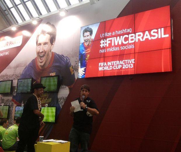 Torneio de Fifa 13 em São Paulo também está sendo exibido nas redes sociais (Foto: Pedro Zambarda/TechTudo) (Foto: Torneio de Fifa 13 em São Paulo também está sendo exibido nas redes sociais (Foto: Pedro Zambarda/TechTudo))