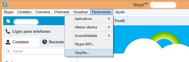 Acessando as ferramentas do Skype (Foto: Reprodução/Carolina Ribeiro)