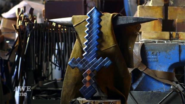 Espada de diamante de Minecraft é recriada no mundo real (Foto: Reprodução)