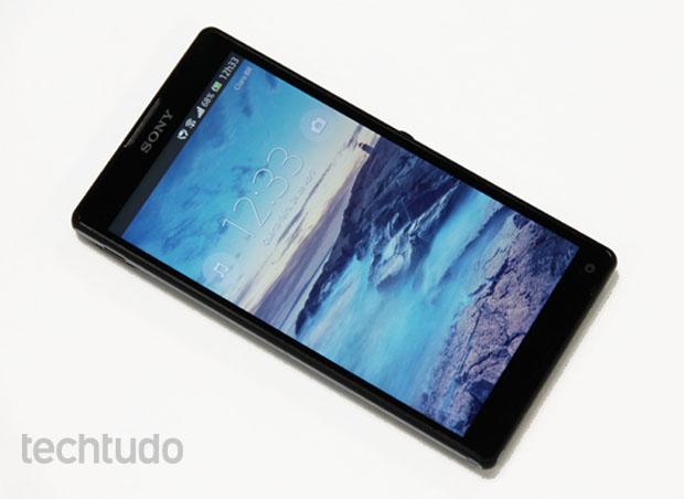 Xperia ZQ, o smartphone top de linha da Sony (Foto: Allan Melo/TechTudo)