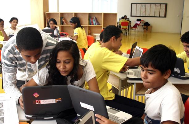 Escola modelo adota notebooks e Internet dentro da sala de aula em tempo integral (Foto: Luiza Cunha/TechTudo)