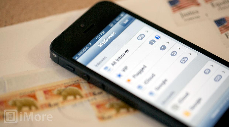 iOS 7 terá grandes mudanças visuais, com e-mail e calendários novos (Foto: Reprodução / iMore)